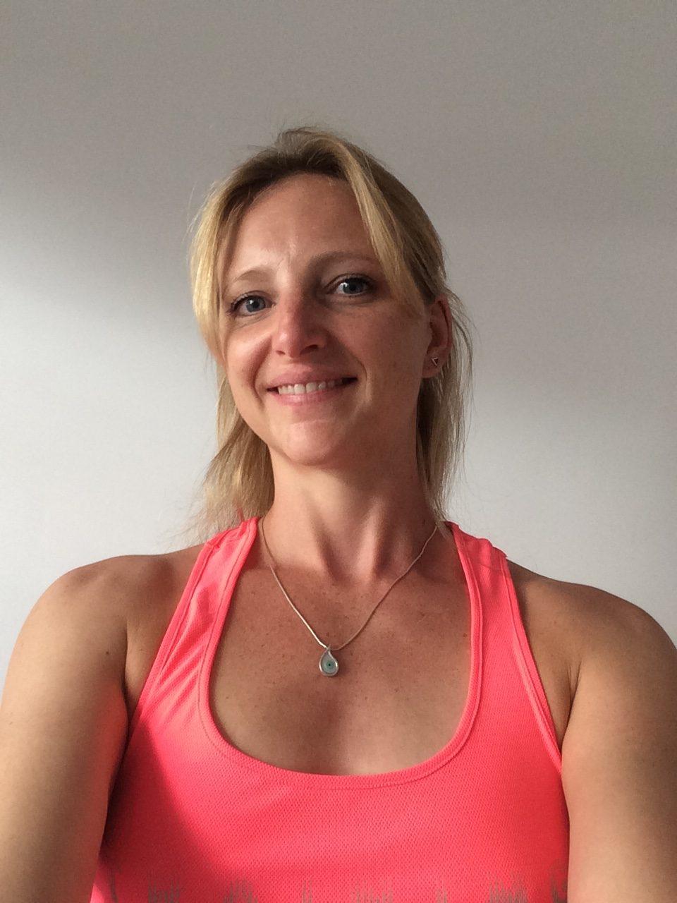 image présente la coach personnel en sport et nutrition melodie boullet de kiup coaching en photo